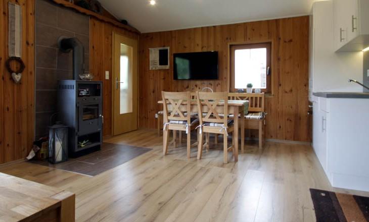 rhoenbude-innen-wohnzimmer